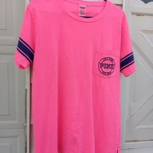 NWOT VS PINK campus pocket t-shirt! Cute!